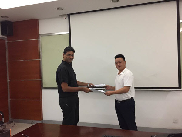 Sharad and Mr. Song Hand in Hand to Discuss Development Plans of India Market